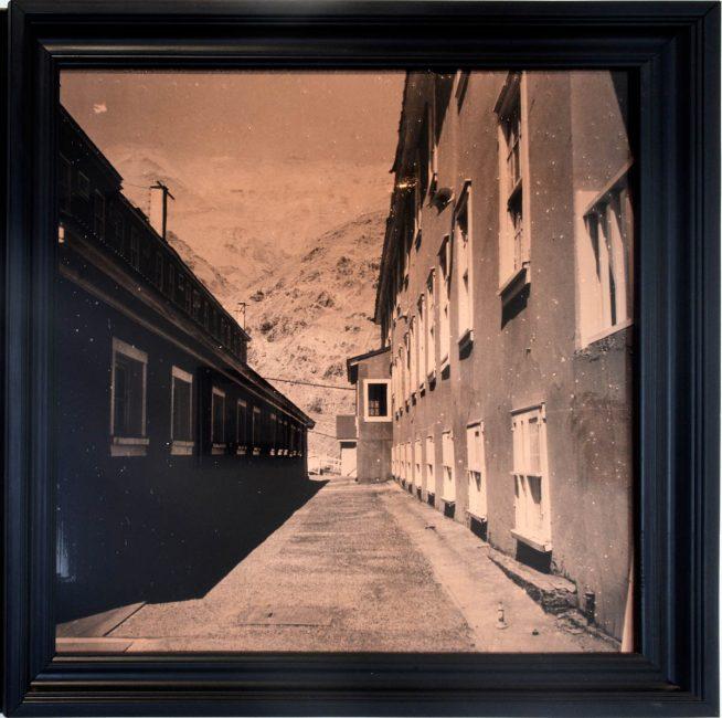 S/T, Campamento minero de Sewell, 2013 Emulsión fotosensible sobre lámina de cobre 50 x 50 cm Pieza única